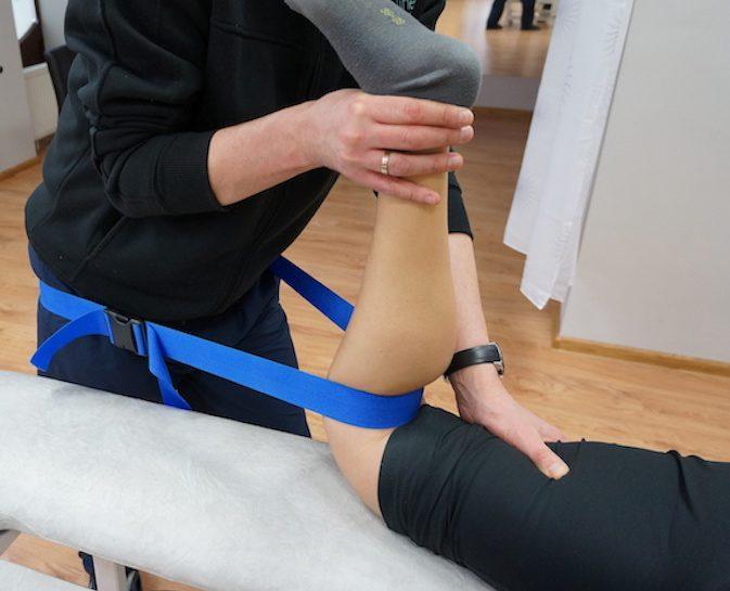 ставна мобилизация на колянна става с колан